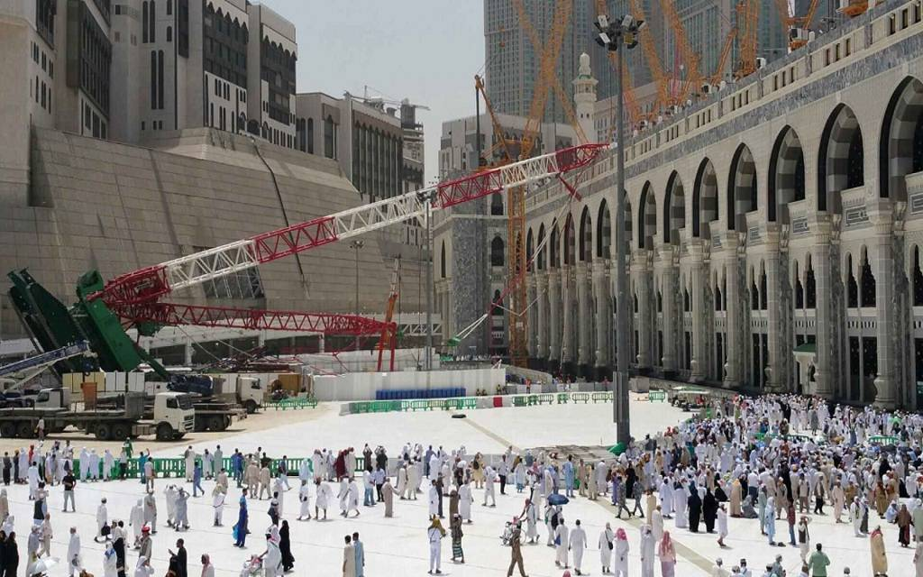 السعودية تعوض المصريين ضحايا حادثة رافعة الحرم المكي
