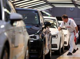 بالصور : جولة في أحد مصانع أودي أثناء تصنيع السيارات