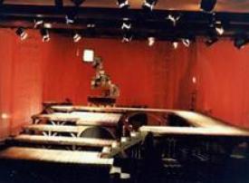 دمشق تحتفي بشكسبير بيوم المسرح العالمي واعتصام سلمي لمنع هدم منزل أبو خليل القباني