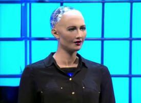 بالفيديو: أول حالة في العالم... منح الروبوت صوفيا الجنسية السعودية