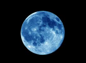 ظاهرة فلكية نادرة... قمر أزرق عملاق يتزامن مع خسوف كلي