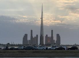 """بناء أطول برج في العالم يمضي قدماً في السعودية بعد حملة """"الفساد"""""""