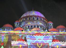 انطلاق «مهرجان أضواء الشارقة» في دورته الثامنة