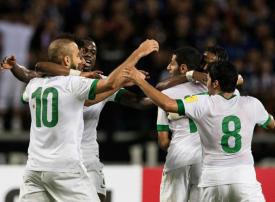 العابد والمولد والشهري.. أوراق سعودية رابحة في كأس العالم