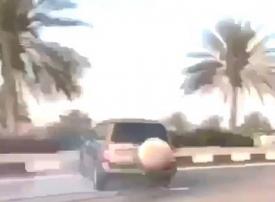 فيديو: شرطة أبوظبي توقف مفحطين تسببوا في وفاة شاب دهسا