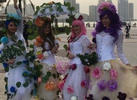 الشارقة: عروض بهلوانية وفنية في واجهة المجاز المائية خلال عيد الفطر