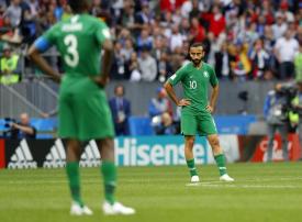 بعد خسارتهم أمام روسيا.. أعضاء في الاتحاد السعودي لكرة القدم يهددون عادل عزت بالاستقالة