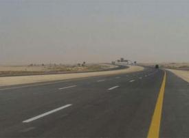 فيديو نادر لافتتاح الملك خالد لأول طريق سريع في السعودية عام 1980