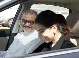 هيئة النقل العام السعودية تنفي منع النساء من نقل الرجال