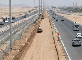 1.7 مليار لتنفيذ 23 مشروعاً للطرق في السعودية