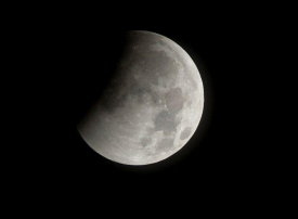 قرية جميرا سيركل أفضل المواقع في دبي لمشاهدة خسوف القمر الكلي
