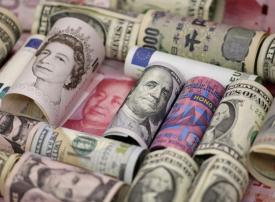 أسواق العملات تترقب بيانات اقتصادية واجتماعات هامة لبنوك مركزية