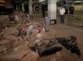 بالصور: مقتل 100 في زلزال ضرب إندونيسيا