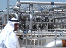 النفط يرتفع فوق 80 دولارا وخطط سعودية لزيادة الإنتاج