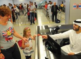 تمديد تأشيرات الزيارة والسياحة في الإمارات عبر ذات الكفيل حصراً