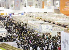 بالصور : أكثر من 20 مليون كتاب و 200 كاتب في معرض الشارقة الدولي للكتاب