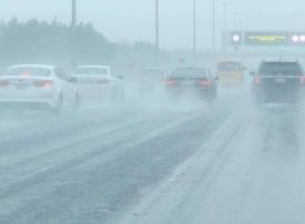 الكويت تمدد العطلة الحكومية لعدم استقرار الأحوال الجوية