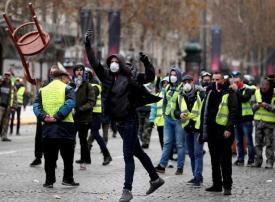 فرنسا تنشر 89 ألف شرطي تحسبا لاحتجاجات السبت وإيفل يغلق أبوابه