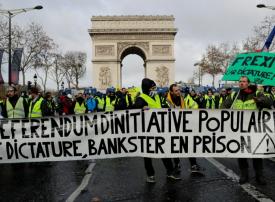 باريس تحقق في وجود حسابات الكترونية تضخم حركة السترات الصفراء
