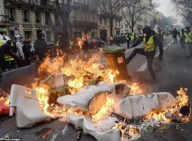 بالصور : باريس تحترق للأسبوع السابع من المظاهرات