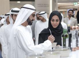 محمد بن راشد يطلع على الجهود الحكومية لتبني التقنيات الزراعية الحديثة