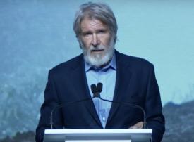 بالفيديو.. النجم هاريسون فورد يشارك في فعاليات منتدى التغير المناخي بدبي