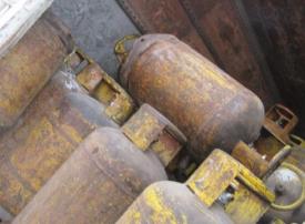 ضبط اسطوانات غاز عرضة للانفجار في طريقها للبيع في الشارقة