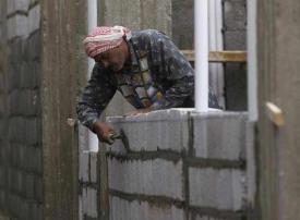 ما سبب تباطؤ توطين قطاع المقاولات في السعودية؟