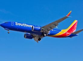 نكسة جديدة.. هبوط اضطراري لطائرة بوينغ 737 ماكس في أمريكا