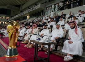 شاهد.. محمد بن زايــــد يُتــوج النجــم الساحلي بلقب كأس زايد للأندية الأبطال