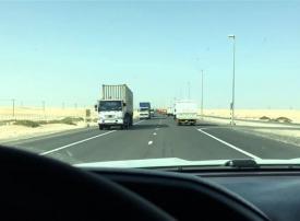 شرطة أبوظبي تمنع دخول الشاحنات أثناء ساعات الذروة في رمضان