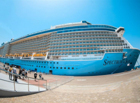 دبي تستقبل حوالي 4000 سائح على متن أضخم سفينة تصل ميناء راشد