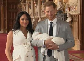 ميغان وهاري مع الظهور الأول للمولود الملكي الجديد