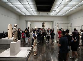 اللوفر أبوظبي يستقبل عشرة آلاف زائر في يوم واحد