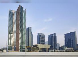 الإمارات تنشئ شركة قابضة جديدة لمطارات وموانئ وكهرباء أبوظبي