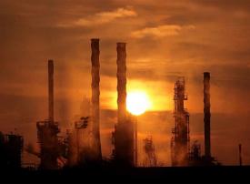 النفط عند 60.90 دولار مدعوما بتوقعات خفض الإمدادات