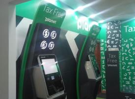 الإمارات: إطلاق أجهزة خدمة ذاتية لرد ضريبة القيمة المضافة للسياح