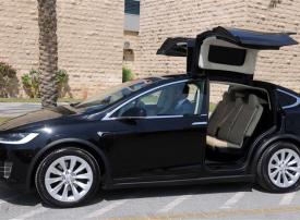 طرق دبي: تحويل 90% من سيارات الليموزين إلى صديقة للبيئة في 2026