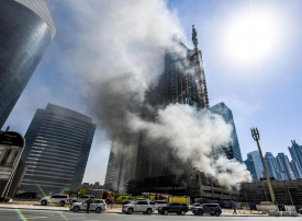 وفاة إطفائي إماراتي أثناء إخماد حريق في دبي