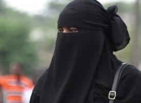 تونس تمنع ارتداء النقاب في الأماكن العامة