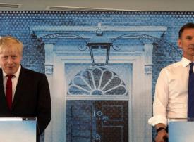 هل تنتخب بريطانيا اليوم جونسون حليف ترامب  لرئاسة وزراء بريطانيا؟
