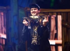 صبي أمريكي يفوز بثلاثة ملايين دولار ويصبح بطل العالم بـ«فورتنايت»
