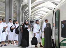 فيديو: حجاج يسافرون بالقطار السريع من المدينة إلى مكة لأول مرّة