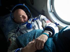 رائد فضاء  أمريكي يكشف مستوى راتبه