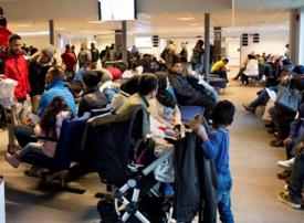 السويد تعدل سياستها إزاء اللاجئين السوريين بعد مراجعتها للوضع الأمني