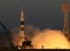 بماذا بدأ هزاع المنصوري رحلته ليصبح أول إماراتي يزور محطة الفضاء الدولية؟