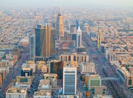 السعودية: إصدار تأشيرات سياحية ودخول حر لمواطني 49 دولة