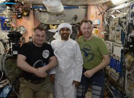الكشف عن جدول أول رائد فضاء إماراتي بعد هبوطه إلى الأرض غدا