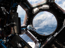 شاهد هزاع المنصوري يدرس التصور والإدراك الزمني لرائد الفضاء