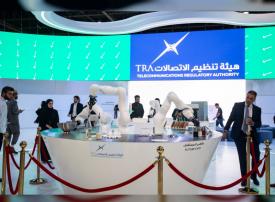 شاهد في جيتكس، الشف روبوت يعد الأطعمة ويقدمها للضيوف في دبي